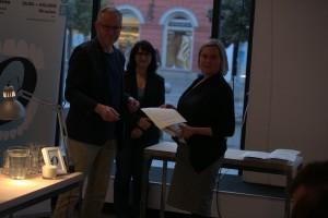 Ewa Jarocka odbiera wyróżnienie na 11. MFO